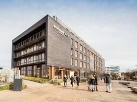 Hotel bauen, moderne Architektur, Foto: iStock/Jan-Otto