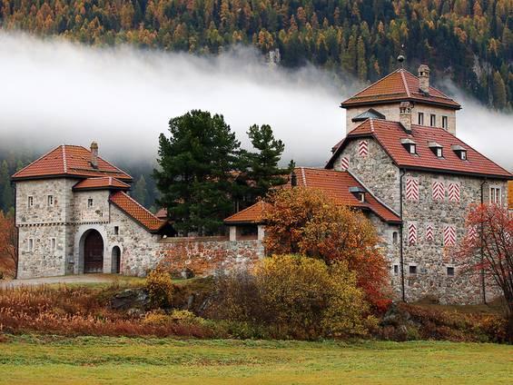 Schloss, Burg, Graubünden, Foto: Gabrielle Wetli/fotolia.com