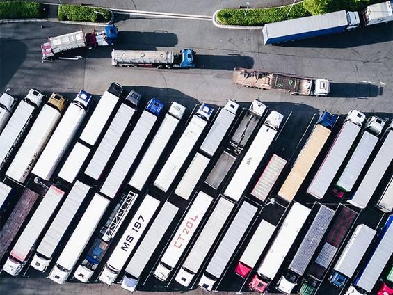Gewerbegrundstück kaufen, Gewerbegrundstück mieten, Gewerbegrundstück pachten, Logistikbranche, Foto: Nigel Tadyanehondo/unsplash.com