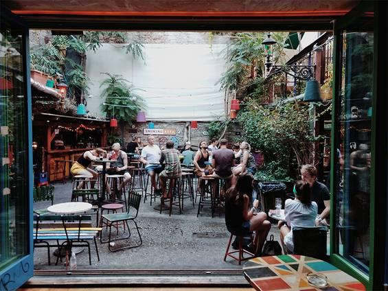 Café kaufen, Café mieten, Café pachten, Gastronomie kaufen, Gastronomie pachten, Gastronomie mieten, Hotel kaufen, Hotel pachten, Hotel mieten, Foto: Liam McKay/Unsplash