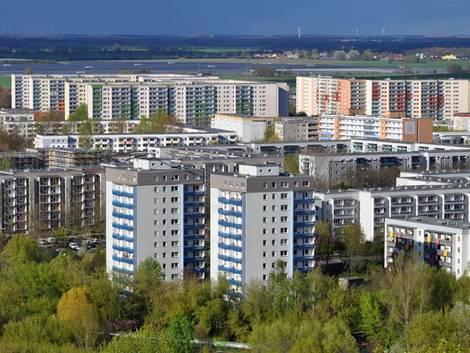 Berlin, Blick über Plattenbauten in Marzahn, Foto: struvictory/stock.adobe.com