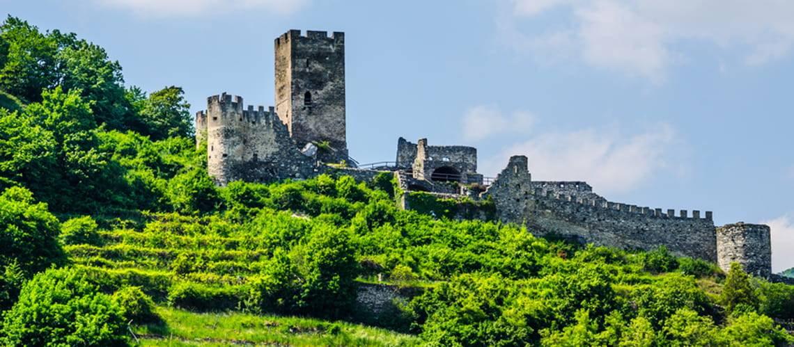 Schloss, Burg, Burgruine, Hinterhaus, Foto: dudlajzov/fotolia.com
