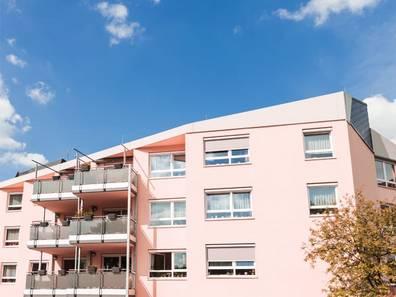 Seniorenwohnungen, Seniorenwohnanlage von außen, Foto: Alessandro2802/stock.adobe.com