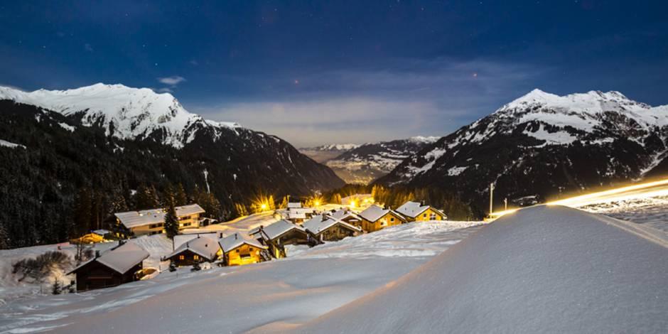 Ferienimmobilie kaufen, Skigebiet, Urlaubsregion, Foto: mmphoto – stock.adobe.com