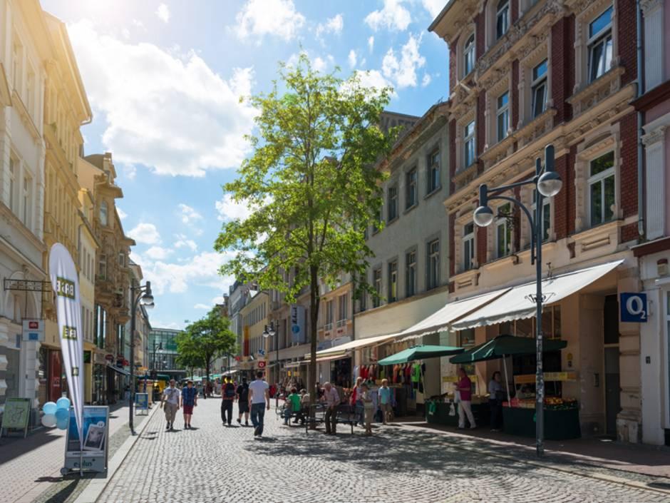 Laden, Ladenfläche, Einkaufsstraße, Foto: iStock/Kerrick