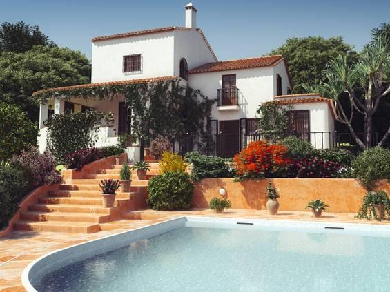 Portugal, Villa, Pool, Foto: iStock/Bulgac