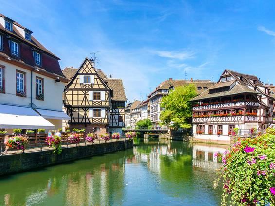Immobilienkauf Frankreich, Flussufer, Foto: MikiStudio / fotolia.com