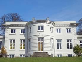 Luxusimmobilie, alte Villa, Foto: Elke Hötzel/stock.adobe.com