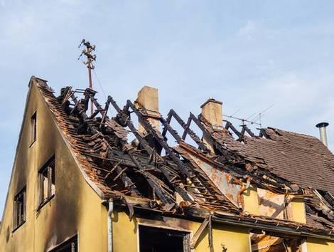 Immobilienkauf Deutschland, Versicherung, Foto: pusteflower9024/stock.adobe.com