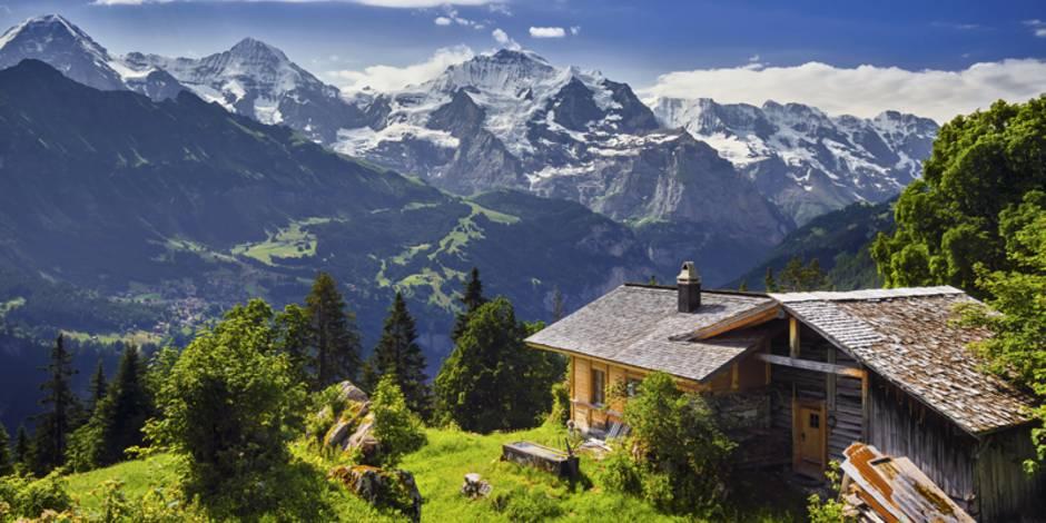 Ferienwohnung kaufen, Schweiz, Hütte, Alpen, Foto: Ben Burger – stock.adobe.com