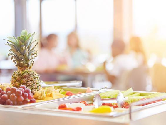 Pension kaufen, Frühstück, Foto: Robert Kneschke / fotolia.com