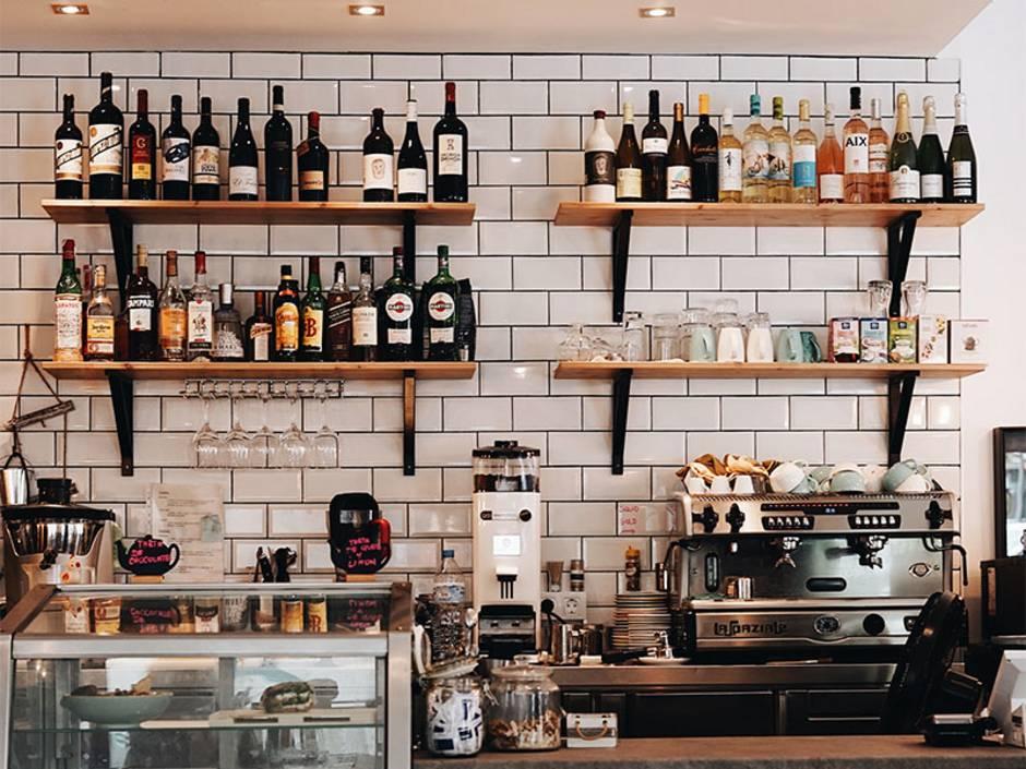 Unterschied pachten oder mieten, Gastronomie kaufen, Gastronomie pachten, Gastronomie mieten, Hotel kaufen, Hotel pachten, Hotel mieten, Foto: Oscar Nord/Unsplash