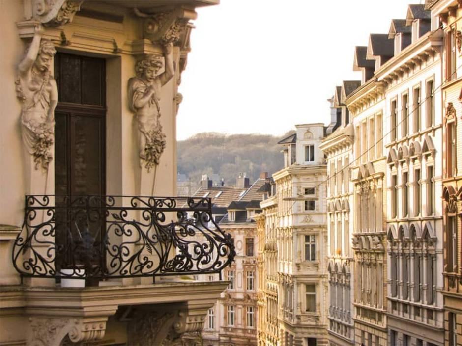 Immobilienkauf Deutschland, Mehrfamilienhaus, Foto: cphotos/stock.adobe.com