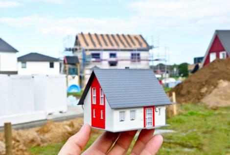 Wenn Der Bauträger Pleitegeht, Kann Sich Die Fertigstellung Des Hauses  Lange Hinauszögern. Foto: Marco2811/fotolia.com