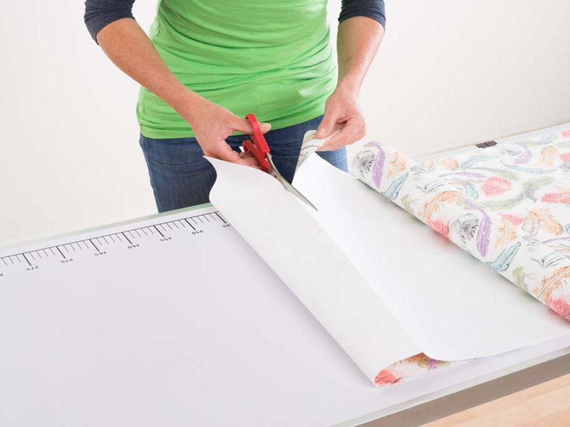 richtig tapezieren tipps zum selber machen tapetenarten kosten. Black Bedroom Furniture Sets. Home Design Ideas