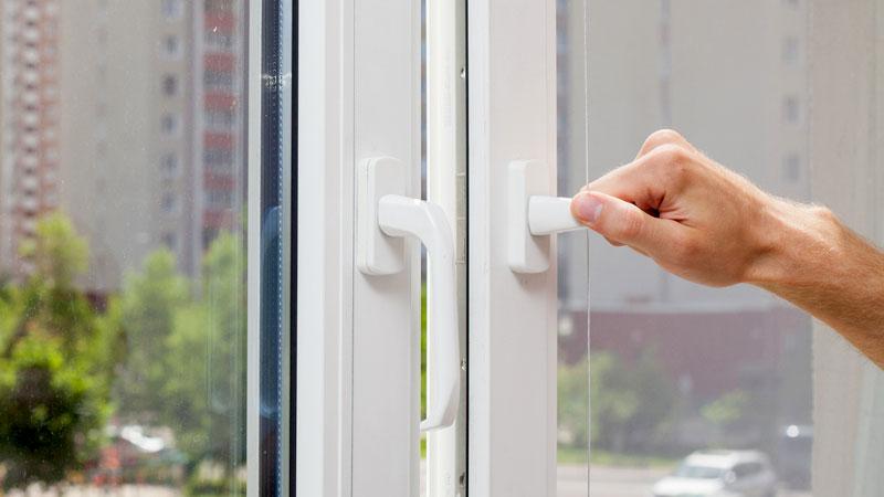 Einbruchschutz f r mieter wachhund nachbar und alarmanlage for Fenster einbruchschutz