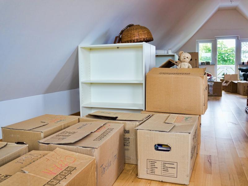 neue wohnung zu klein umzugskisten und m bel lagern mit self storage. Black Bedroom Furniture Sets. Home Design Ideas